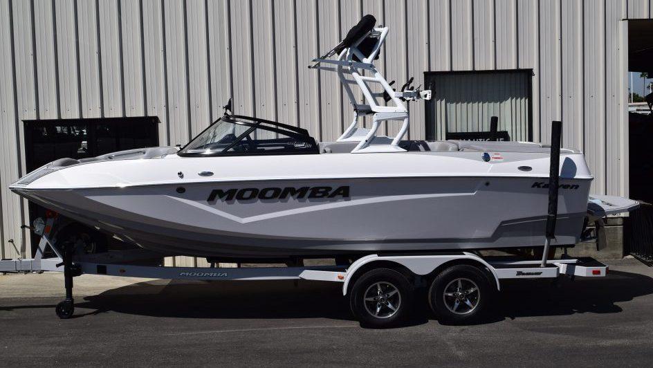 Moomba Boats / KAIYEN 22 SPORT