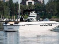 Moomba Boats / MAKAI 25 SURF EDITION