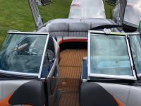 MB Sports Boats / Tomcat 24